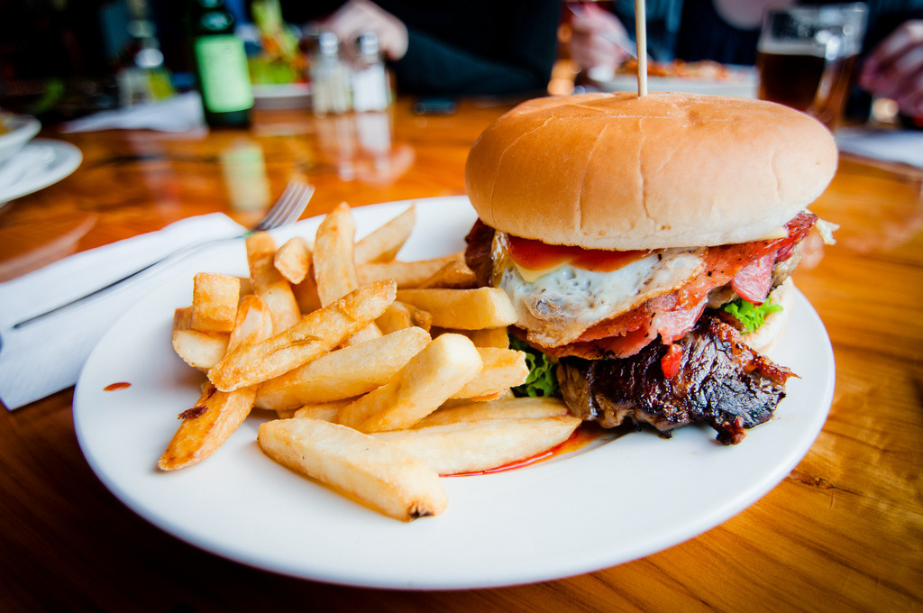 Crusty Burger (by Zanthia)