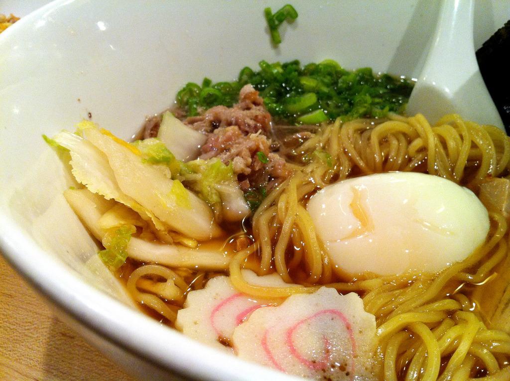 Momofuku Noodle Bar - 11.26.11 (by foodforfel)
