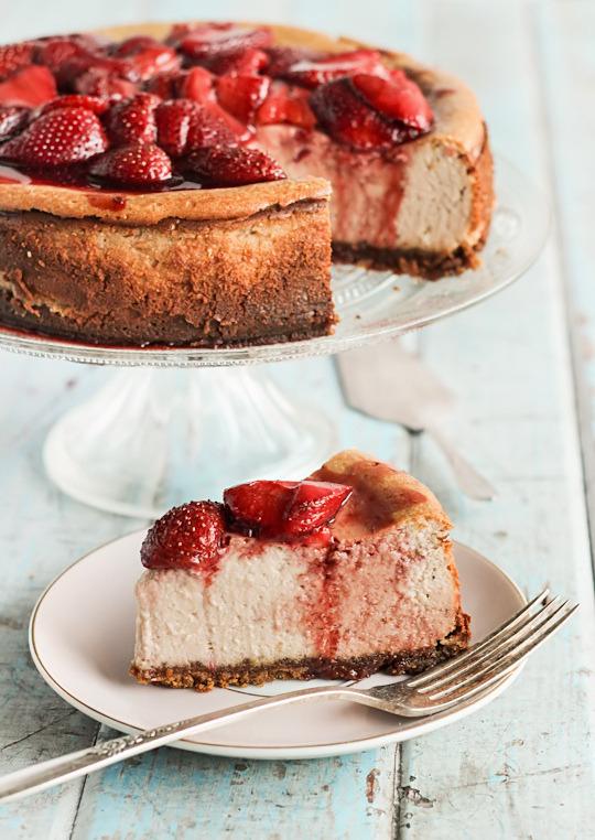 Recipe: Roasted Strawberry & Ginger Ricotta Cheesecake