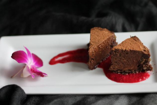 Vegan And Nut-Free Raw Chocolate Mousse Cake