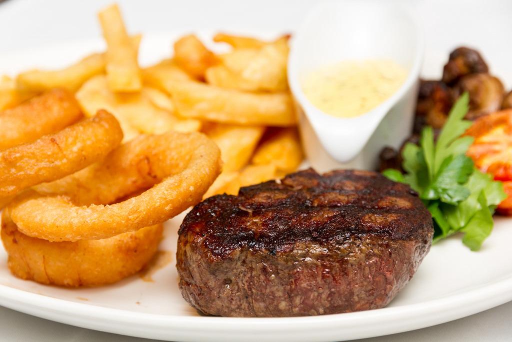 7oz Fillet Steak (by BEST WESTERN White House Hotel)