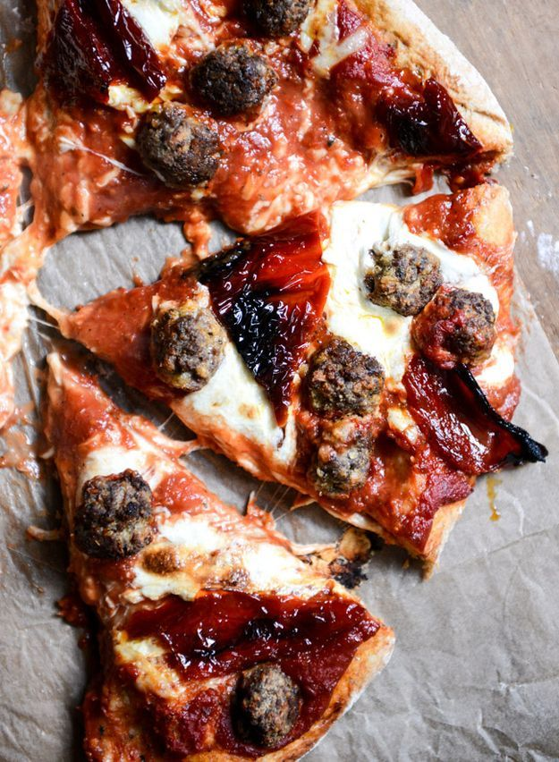 Mini Meatball & Roasted Red Pepper Pizza (Source