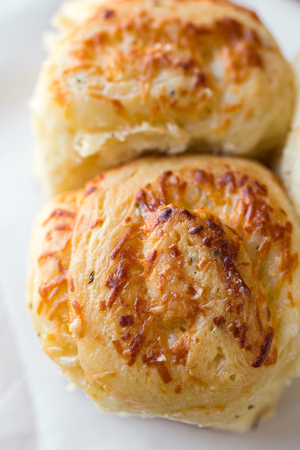 garlic rosemary pull apart bread